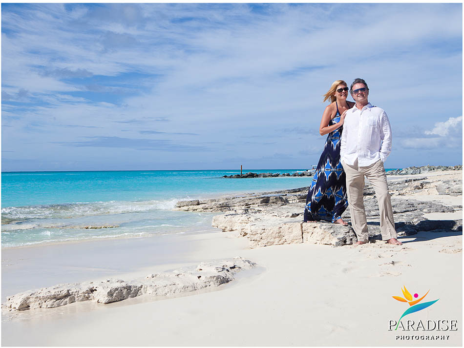 005-photography-turks-and-caicos-best-family-engagement-couples-photos-pictures