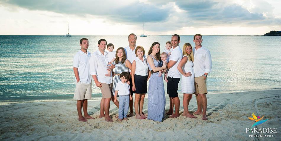 006 TURKS-AND-CAICOS-portrait-family-beach 08664