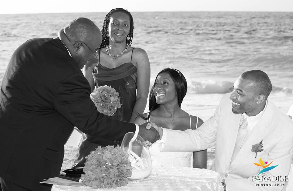 006-beach-photographers-turks-and-caicos-providenciales-wedding