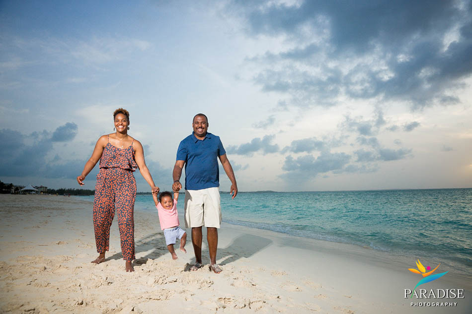 007 turks-and-caicos-sands-blog-beach-family-baby-pictures-portrait 06352