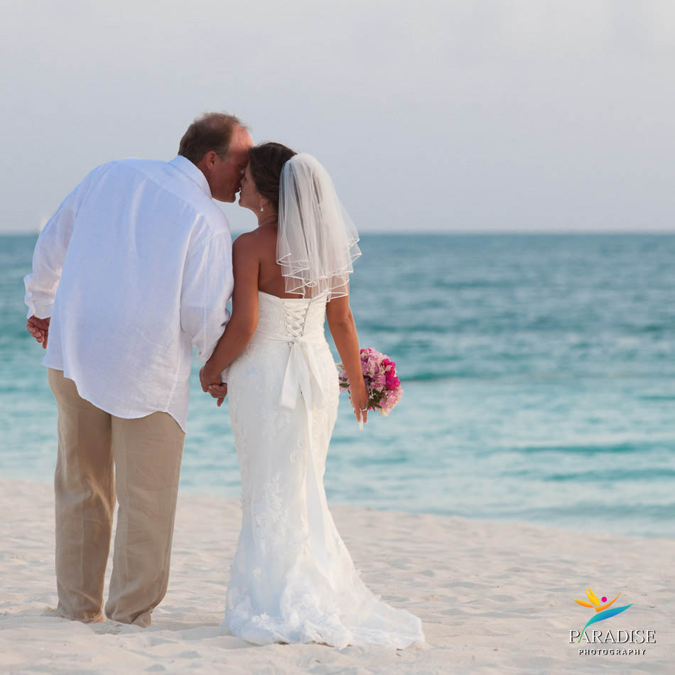 008-grace-bay-best-destination-wedding-photography-turks-and-caicos