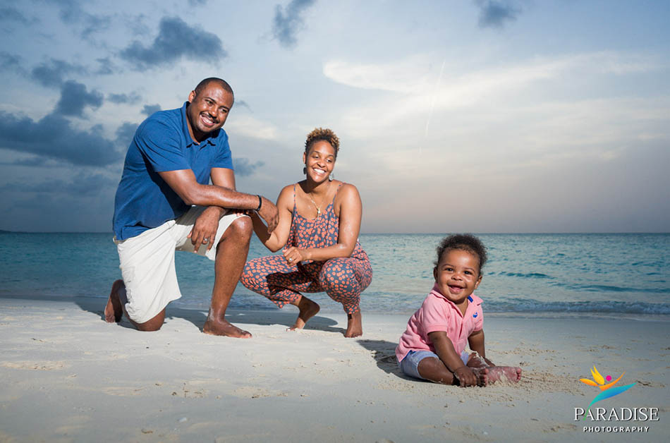 009 turks-and-caicos-sands-blog-beach-family-baby-pictures-portrait 06380