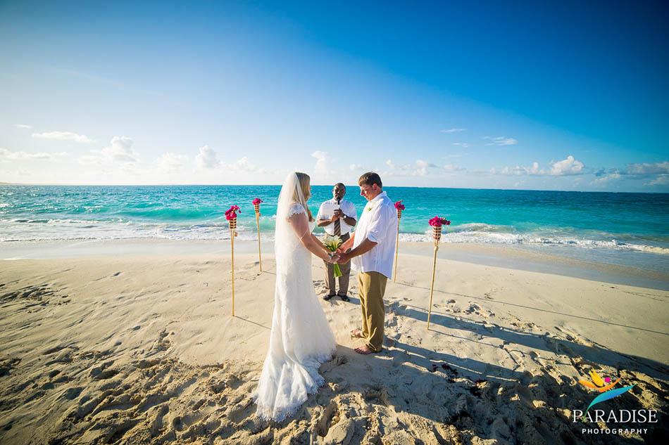 0008 turks-and-caicos-grace-bay-beach-wedding-paradise-photographer