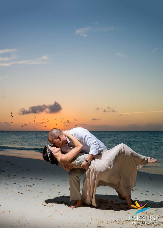 025 turks-and-caicos-wedding-beach-grace-bay_
