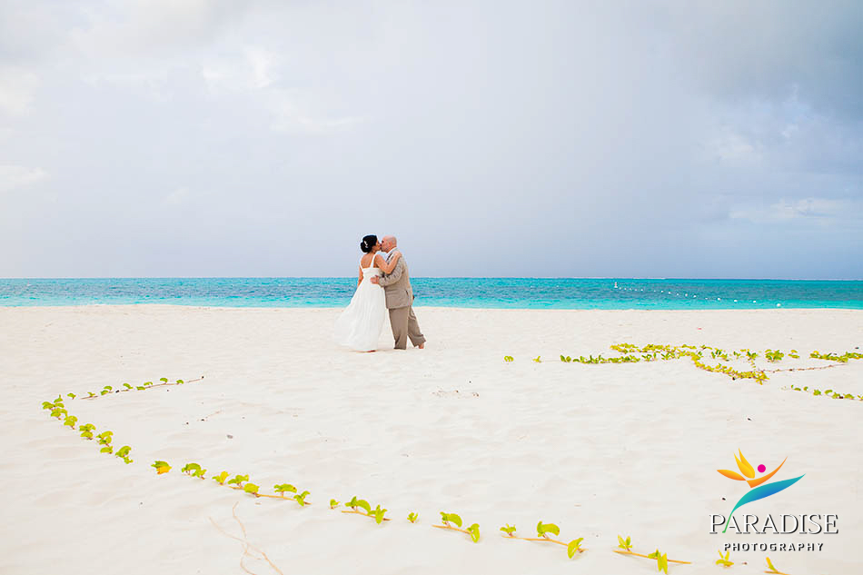 031-wedding-beach-photographers-turks-and-caicos-providenciales