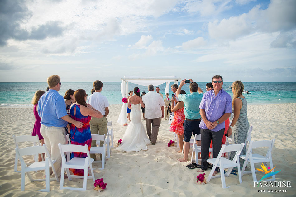 015-destination-wedding-pictures-photos-photography-grace-bay-beach-bride-groom