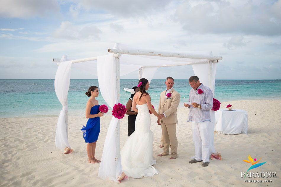 017-destination-wedding-pictures-photos-photography-grace-bay-beach-bride-groom