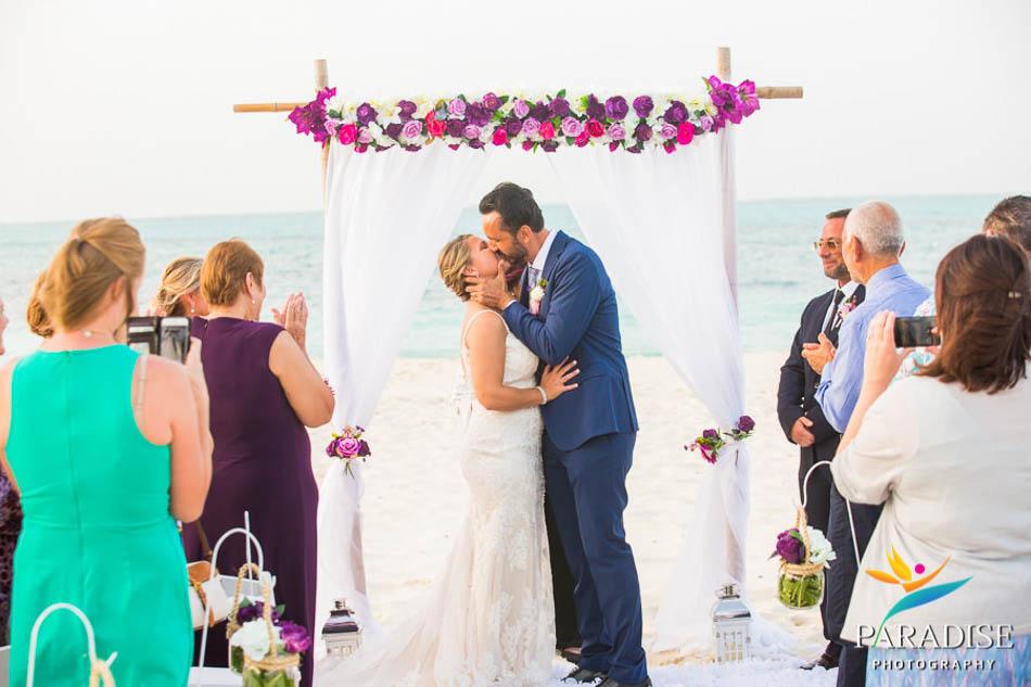 destination-wedding-turks-and-caicos-nila-island-somerset-bay-bistro-grace-bay-beach