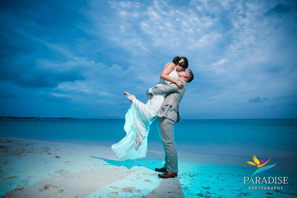 turks-and-caicos-wedding-destination-photographer-photography-pics-portrait-pictures-best-beach-grace-bay-palms6