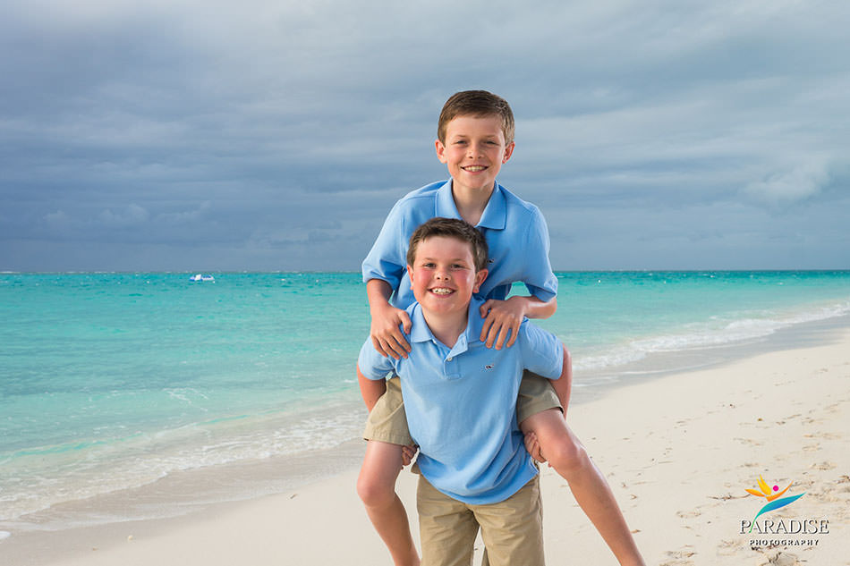 005-turks-and-caicos-grace-bay-family-pics-portraits-pictures-kids-children-best-beautiful-fun
