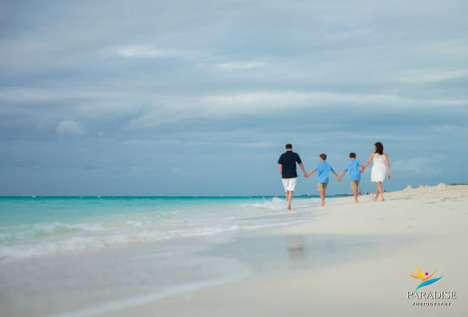 006-turks-and-caicos-grace-bay-family-pics-portraits-pictures-kids-children-best-beautiful-fun