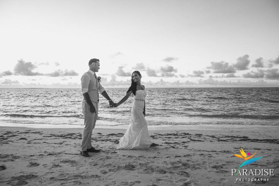 030 destination-wedding-turks-and-caicos-nila-planner-island-caribbean-somerset-bay-bistro-grace-bay-beach