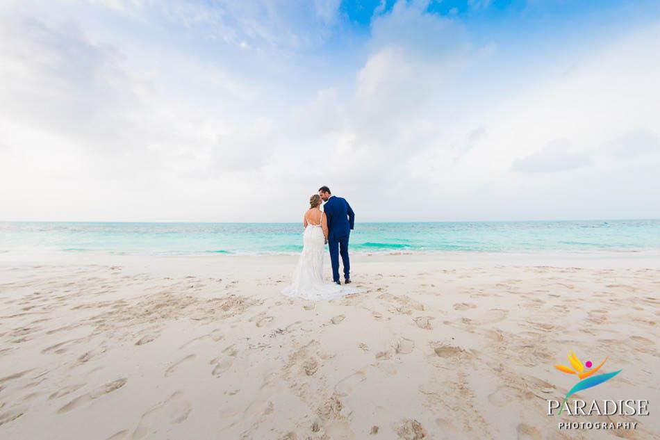 038 destination-wedding-turks-and-caicos-nila-island-somerset-bay-bistro-grace-bay-beach
