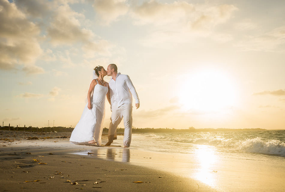 010-turks-and-caicos-wedding-portrait-pics-pictures-photography-photographs-best-beach-grace-bay-creative