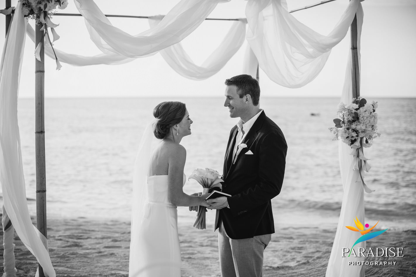 008-turks-and-caicos-destination-wedding-beach-caribbean-photography-photographer-pic-pictures-bride-groom-grace-bay-gansevoort-elopement