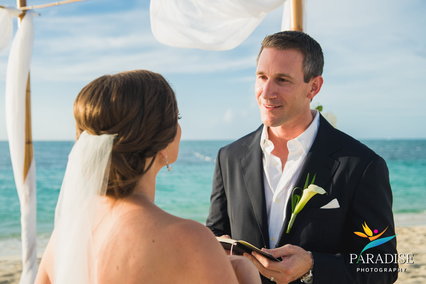 014-turks-and-caicos-destination-wedding-beach-caribbean-photography-photographer-pic-pictures-bride-groom-grace-bay-gansevoort-elopement