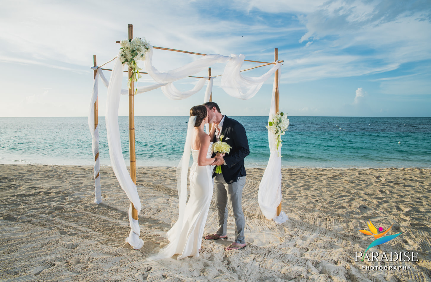 017-turks-and-caicos-destination-wedding-beach-caribbean-photography-photographer-pic-pictures-bride-groom-grace-bay-gansevoort-elopement