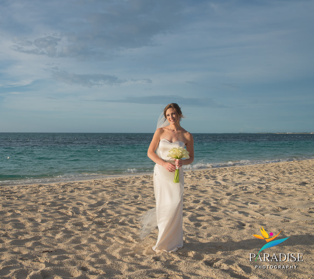 019-turks-and-caicos-destination-wedding-beach-caribbean-photography-photographer-pic-pictures-bride-groom-grace-bay-gansevoort-elopement