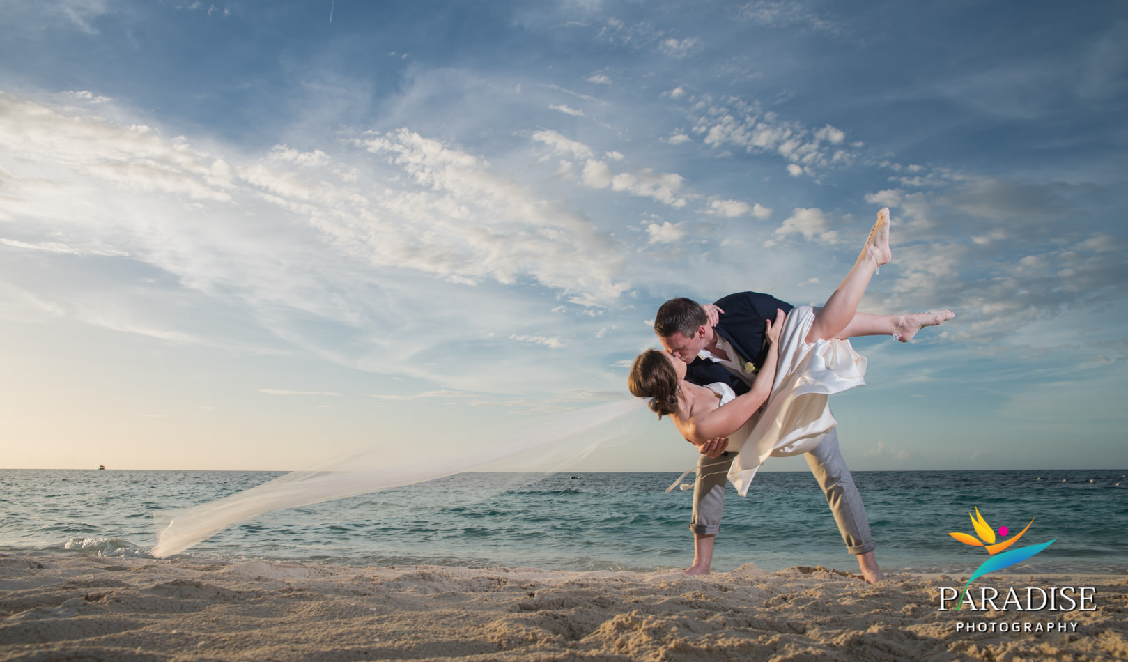 023-turks-and-caicos-destination-wedding-beach-caribbean-photography-photographer-pic-pictures-bride-groom-grace-bay-gansevoort-elopement