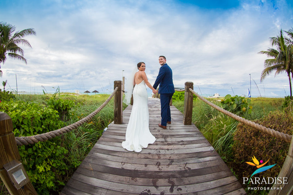 013 grace-bay-beach-destination-wedding-photos