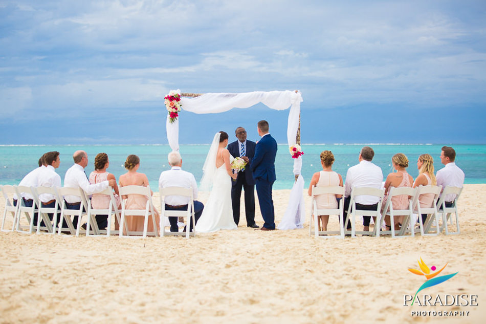 017 grace-bay-beach-destination-wedding-photos